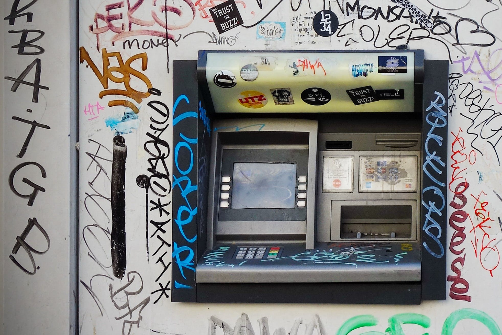 Free stock photo of dirty, wall, machine, atm