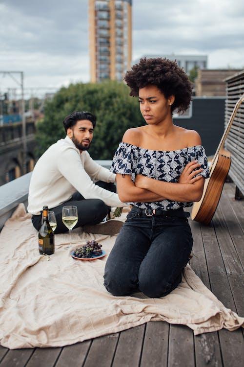 Imagine de stoc gratuită din acoperiș, afro păr, argumentand