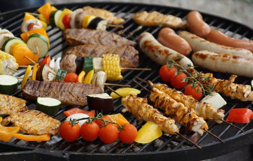 Barbecues in Charcoal Grill