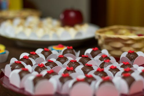 Gratis stockfoto met binnen, chocolade, close-up, designen