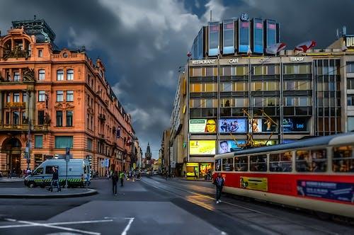 Ingyenes stockfotó belváros, építészet, épületek, felhők témában