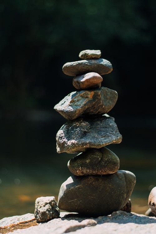 Kostenloses Stock Foto zu balance, einfachheit, felsen