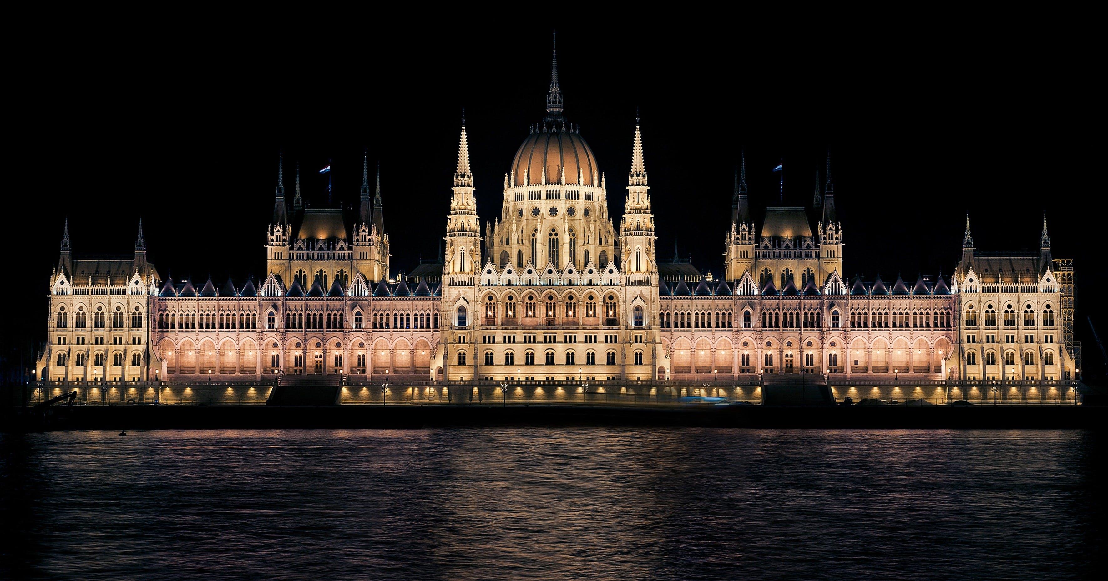 Gratis lagerfoto af arkitektur, Budapest, bygning, nat