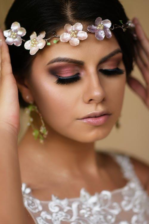 Darmowe zdjęcie z galerii z biżuteria, bloger piękna, brwi, elegancki