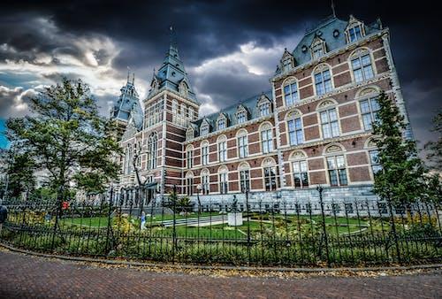 Ingyenes stockfotó alacsony szögű felvétel, Amszterdam, drámai, ég témában