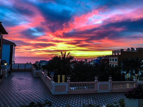 Fotos de stock gratuitas de amanecer, arboles, arquitectura, cielo