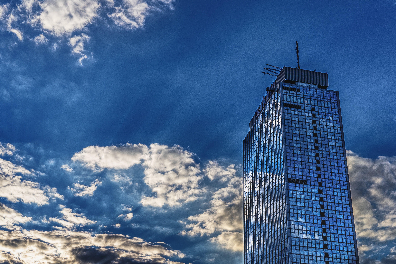 Foto d'estoc gratuïta de alt, arquitectura, blau, cel