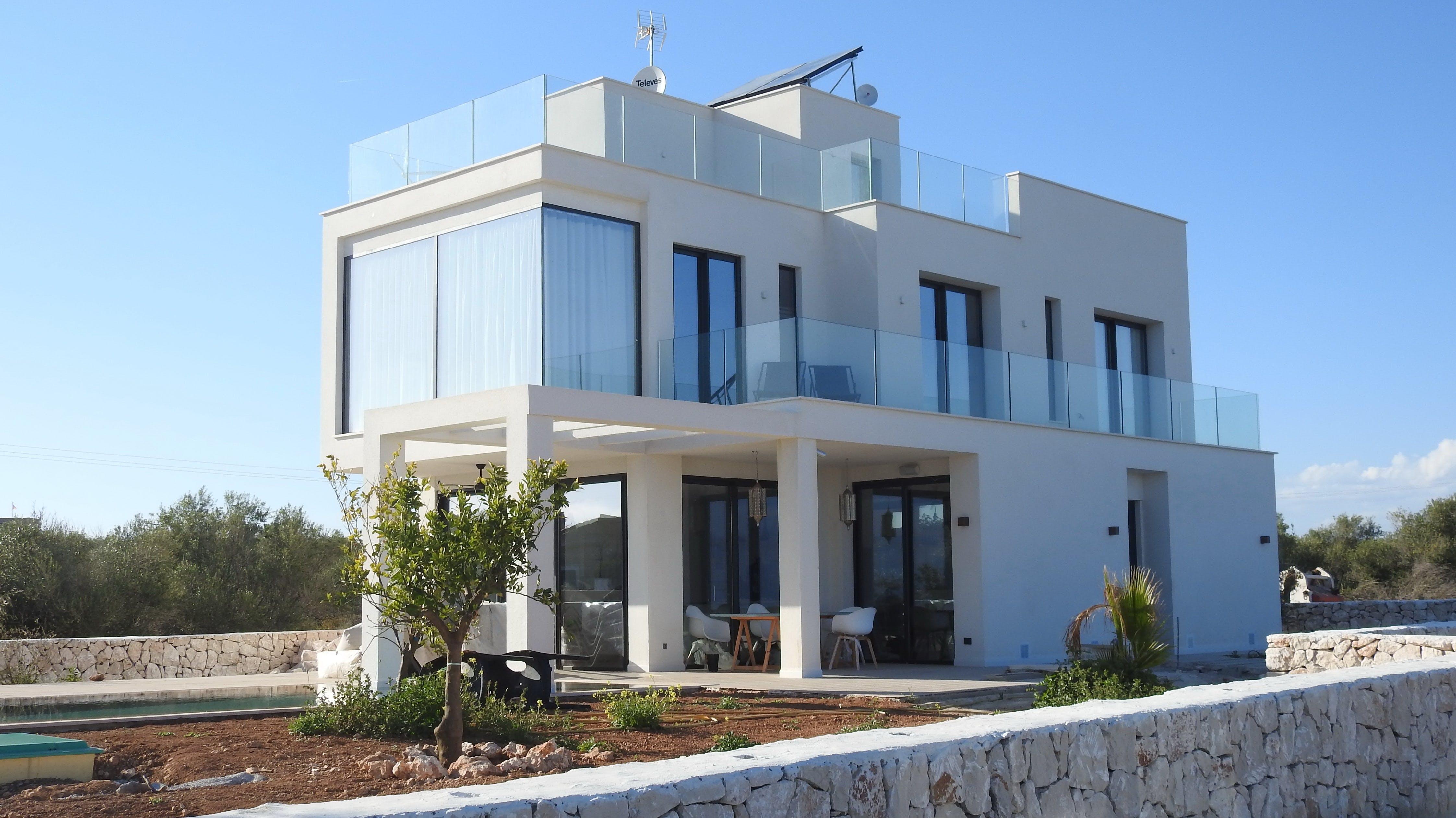 Gratis lagerfoto af arkitektur, balkon, bygning, dagslys