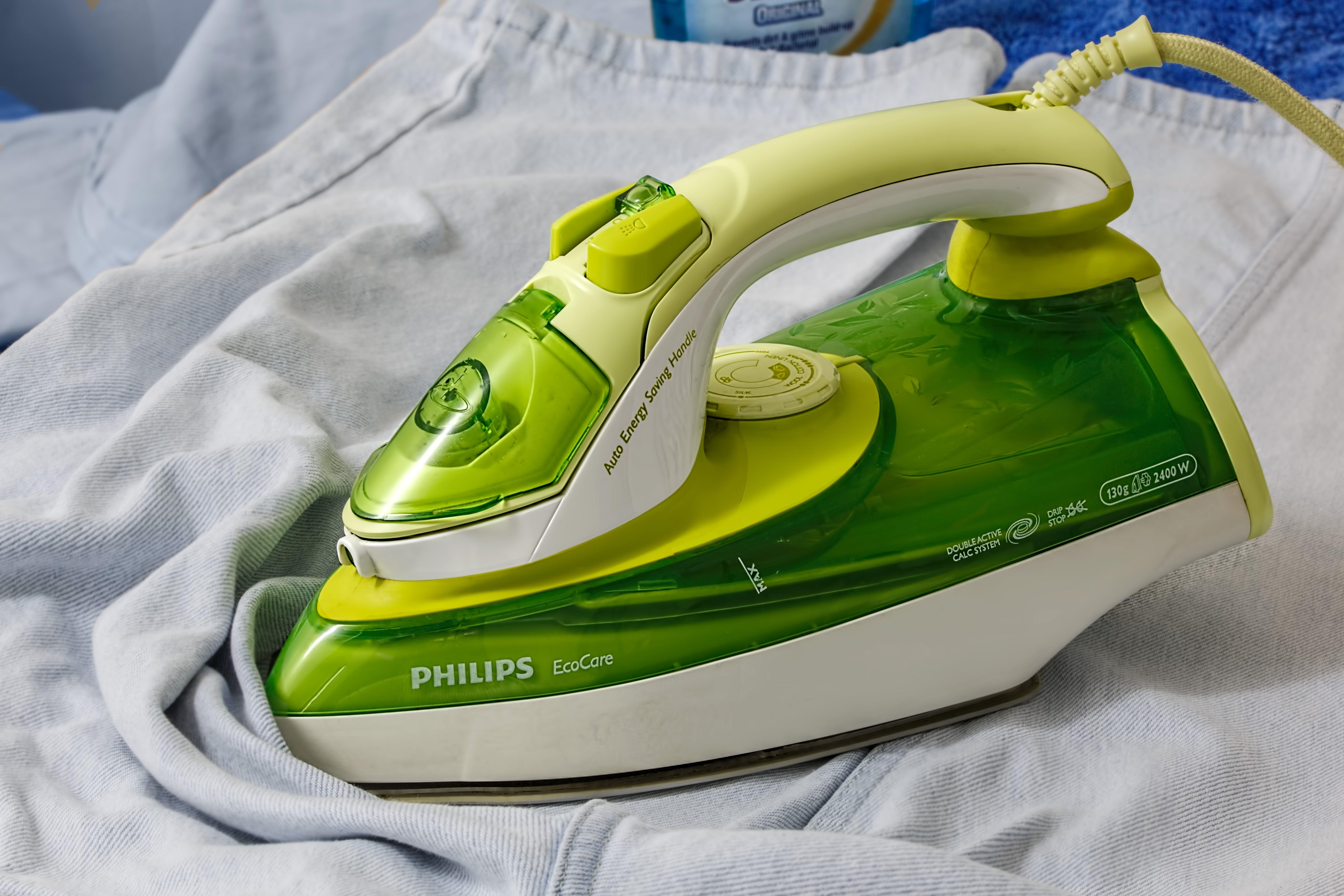 Green White Philips Iron