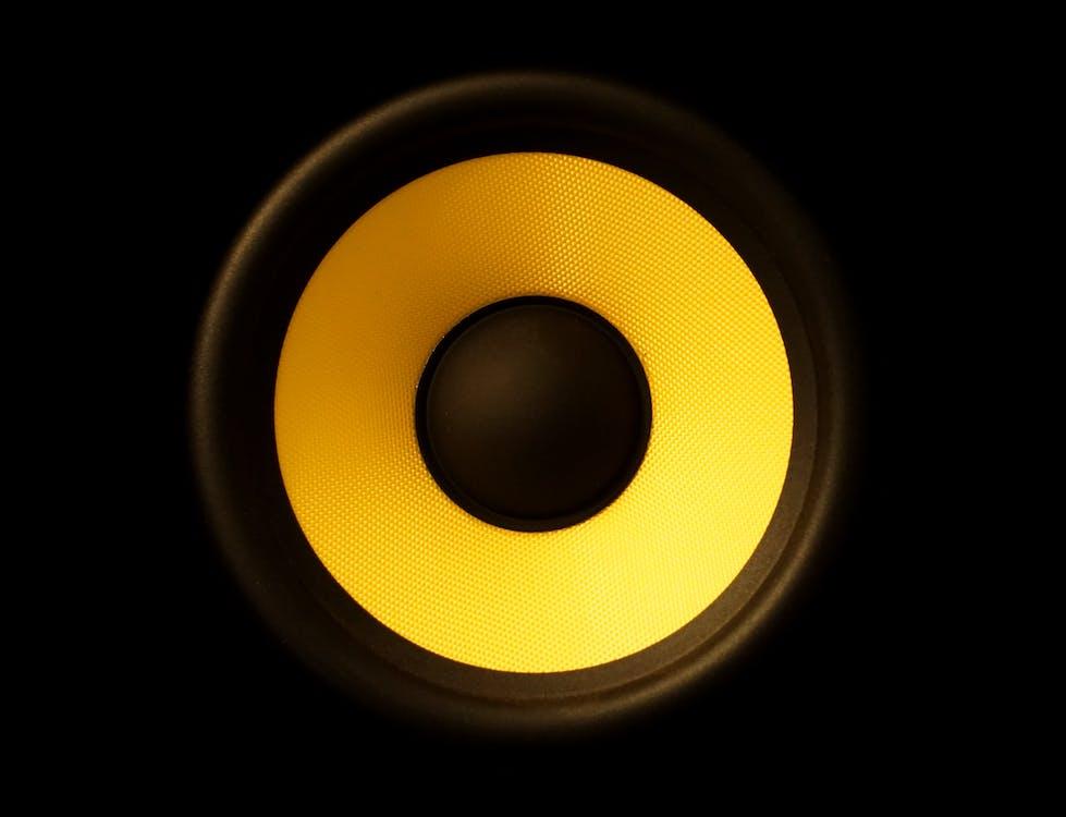 audio, basy, detailný záber