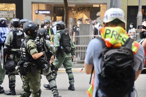 Fotos de stock gratuitas de acción, acto electoral, apretar