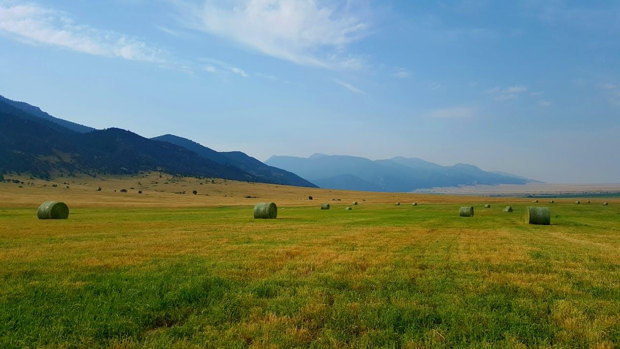 Montana, βουνά, γαλάζιος ουρανός