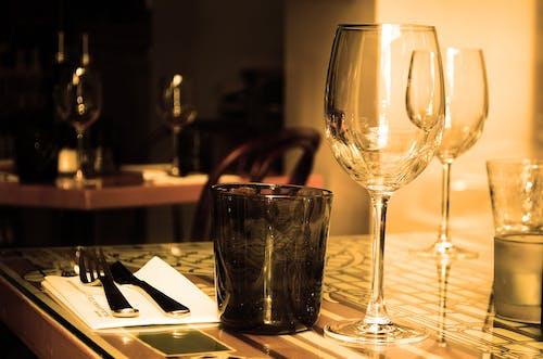 刀具, 叉子, 水杯, 葡萄酒杯 的 免費圖庫相片
