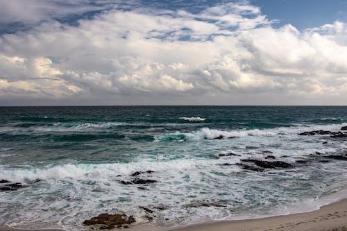 Foto profissional grátis de areia, beira-mar, enseada
