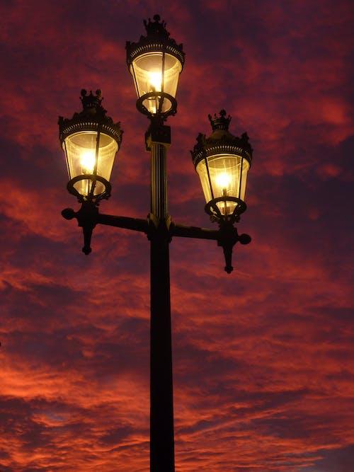 Kostnadsfri bild av gatlykta, himmel, kväll, lampa