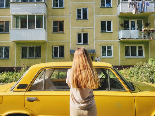açık hava, aile, araba içeren Ücretsiz stok fotoğraf