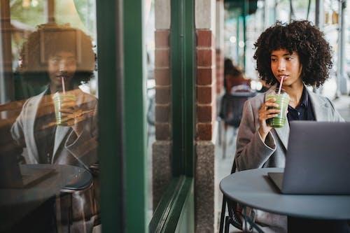 享受, 人, 咖啡 的 免費圖庫相片