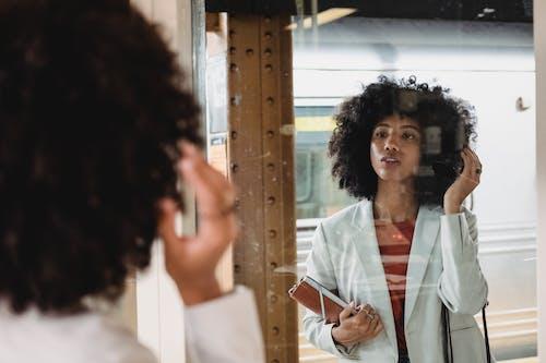 人, 咖啡色頭髮的女人, 商業 的 免費圖庫相片