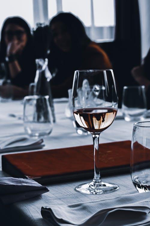 Foto profissional grátis de acontecimento, álcool, almoço