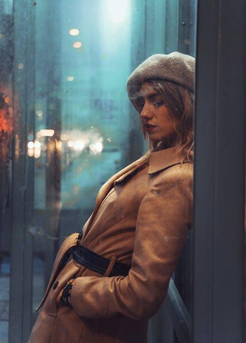 Ingyenes stockfotó ablak, álló kép, arc, arckifejezés témában