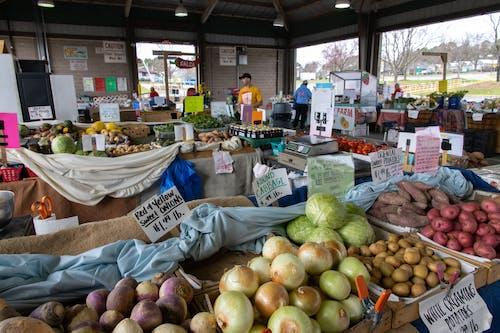 Бесплатное стоковое фото с agbiopix, базар, овощи, продукты