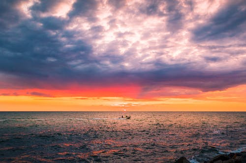 Gratis arkivbilde med appelsin, båt, blå, bølger