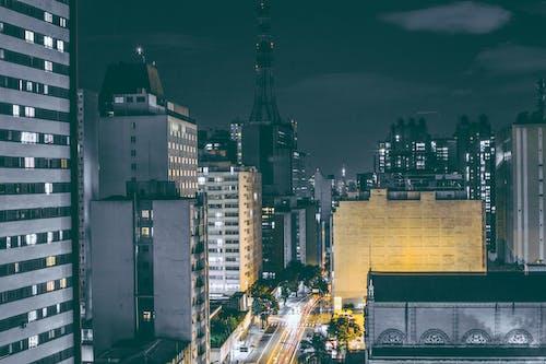 Immagine gratuita di alto, cielo, città, design architettonico