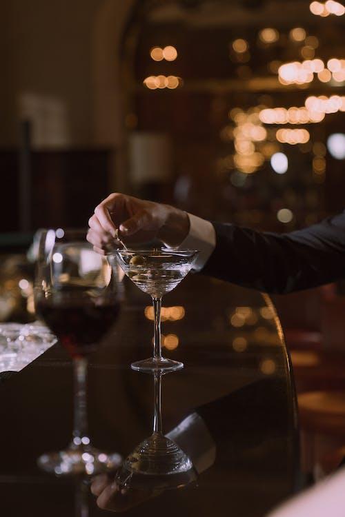 Безкоштовне стокове фото на тему «алкогольні напої, бар, боке»