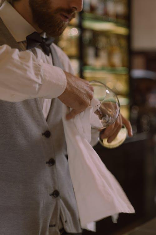 Fotos de stock gratuitas de barbudo, barman, camarero