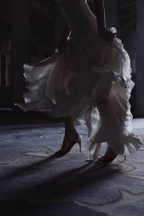 人, 呎, 婚紗禮服 的 免費圖庫相片