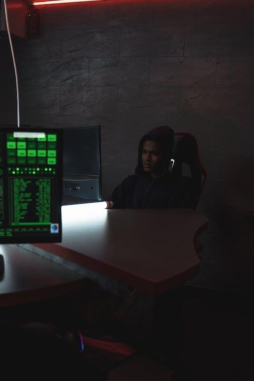 Foto stok gratis bangku, coding, dalam ruangan