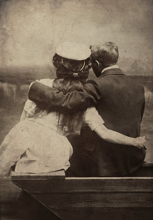 Foto stok gratis bersama, duduk, foto antik