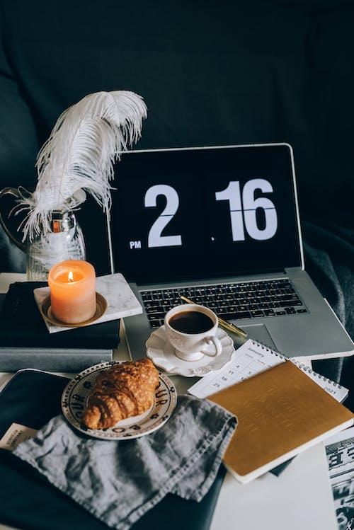 Základová fotografie zdarma na téma blok, čaj, croissant, firma