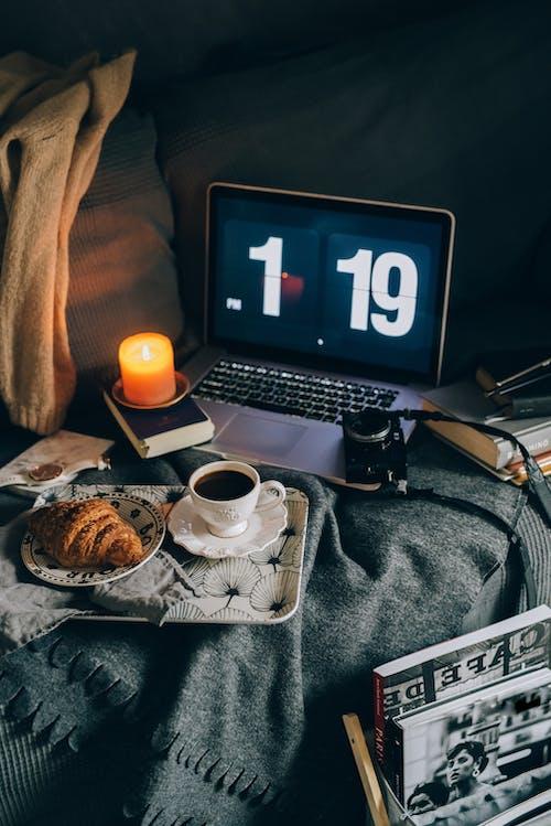 Základová fotografie zdarma na téma blok, čaj, cestování, croissant
