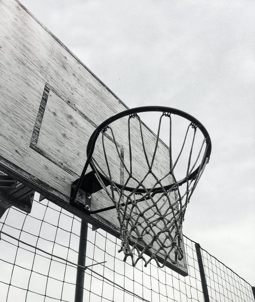 Foto d'estoc gratuïta de alt, anella de la cistella de bàsquet, Aro, blanc i negre