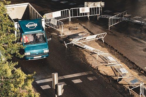 çit, eskrim, kamyon, Kent içeren Ücretsiz stok fotoğraf