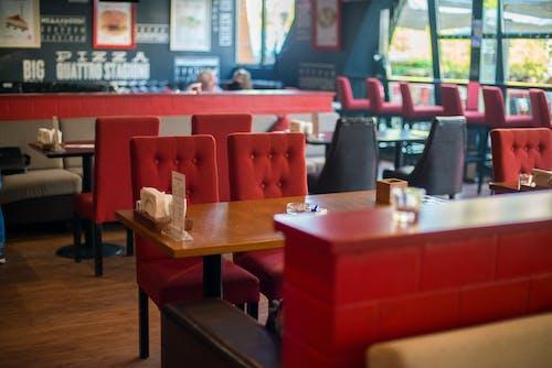 Безкоштовне стокове фото на тему «всередині, дерев'яний стіл, їдальня»