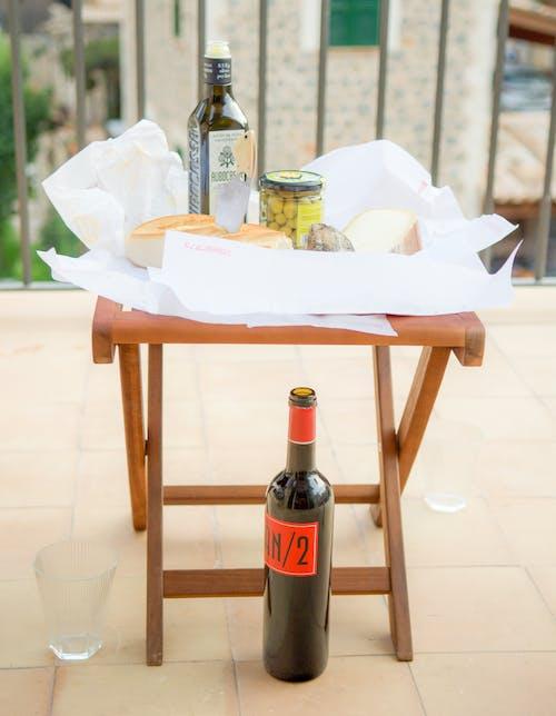 Ingyenes stockfotó asztal, beltéri, bor, bútor témában