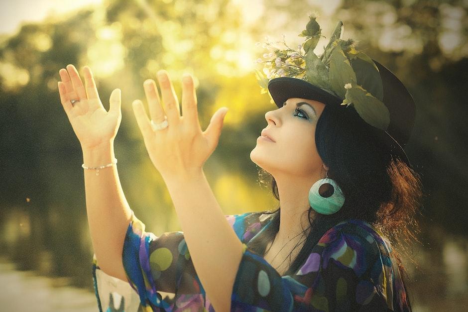 Sombrero negro de Fedora de las mujeres