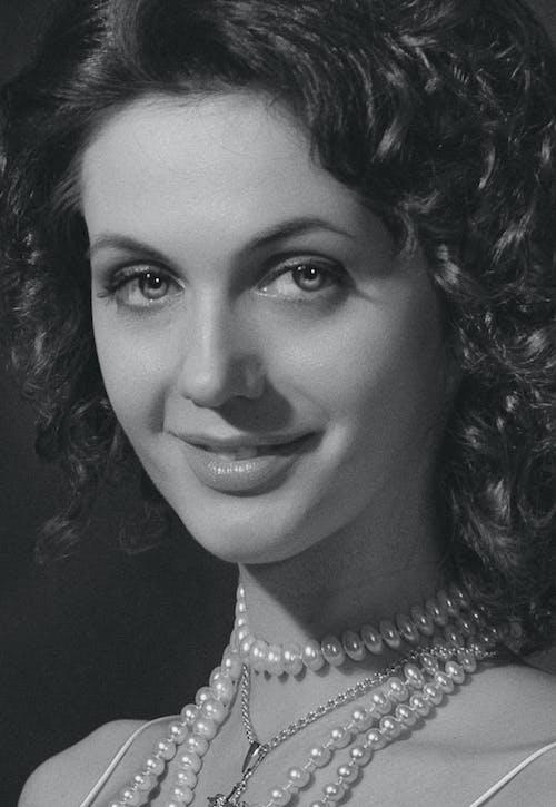 Immagine gratuita di abito, adulto, attrice, capelli