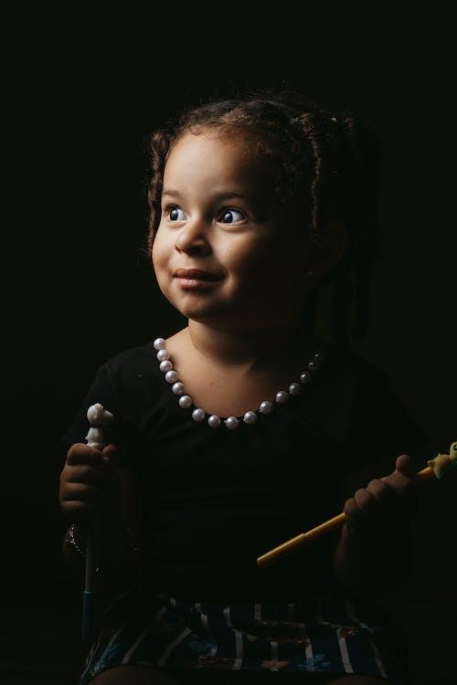 Foto profissional grátis de adulto, apresentação, bebê, cantor