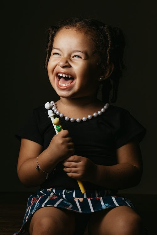 Foto profissional grátis de afro, bonita, bonitinho, criança