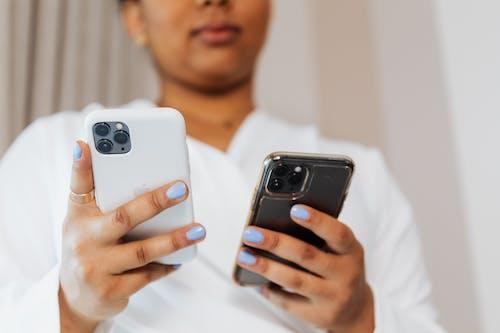 Kostenloses Stock Foto zu festhalten, gadgets, geräte