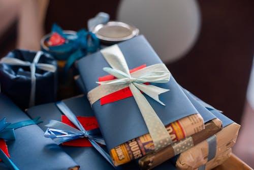 Gratis stockfoto met cadeaus, cadeautjes, geschenken