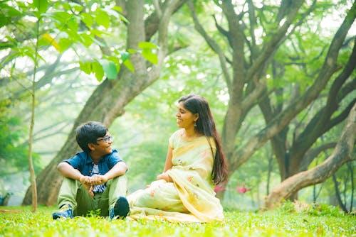 Immagine gratuita di alberi, bambino, contento