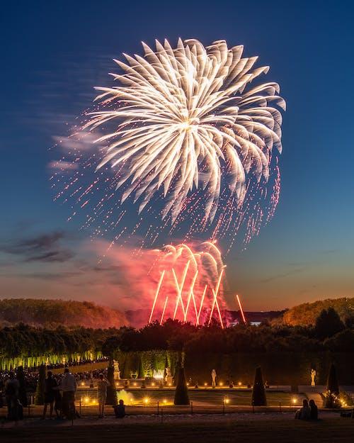 Immagine gratuita di anniversario, celebrazione, che esplode