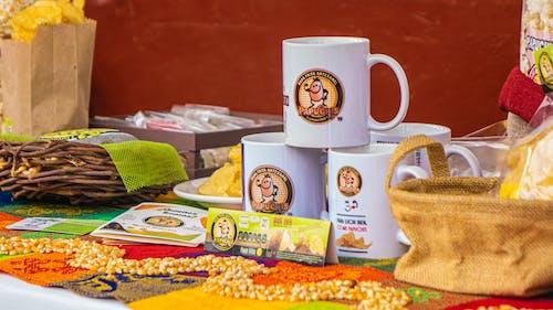 Foto stok gratis cangkir keramik, cangkir putih, chip, cip