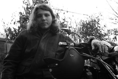 คลังภาพถ่ายฟรี ของ badass, คนขี่มอเตอร์ไซค์, นักขี่จักรยาน, นางแบบ