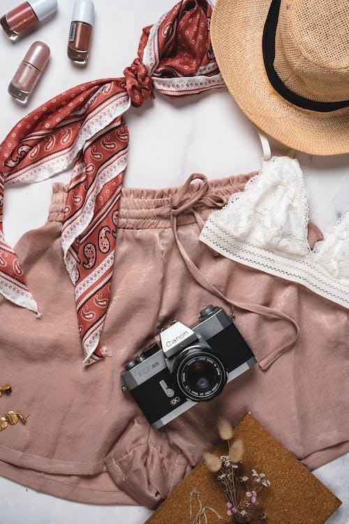 Бесплатное стоковое фото с flat lay, Аксессуары, блогер красоты