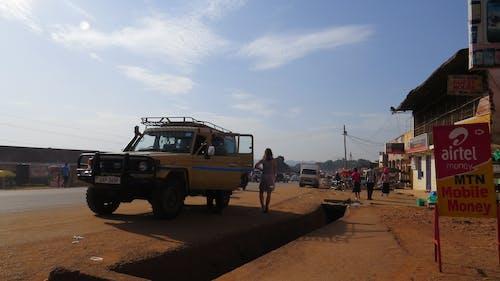 乌干达, 公路旅行, 社區, 陆地巡洋舰 的 免费素材照片